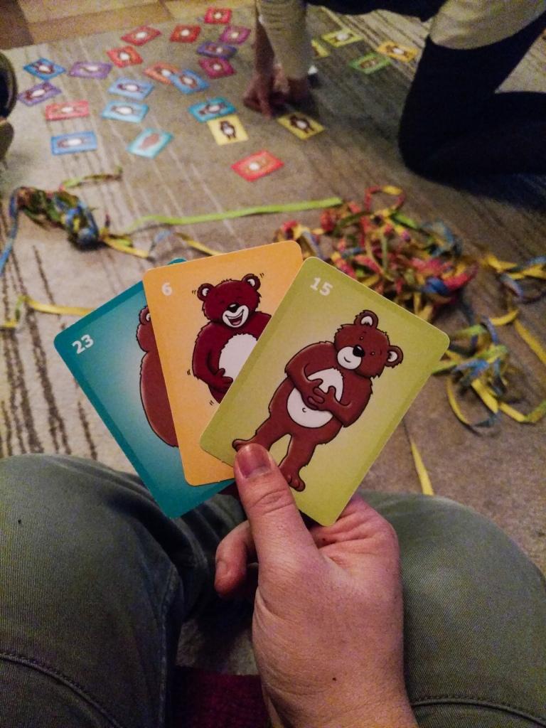 Trò chơi mô tả năm qua bằng 3 tấm hình của bác Márti